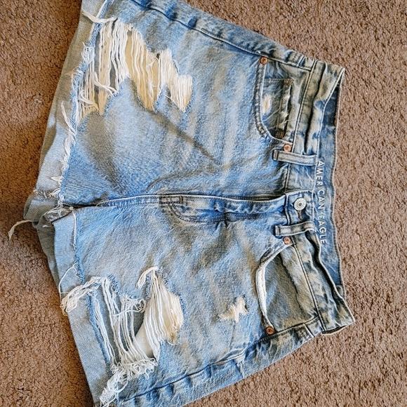 American Eagle mom shorts